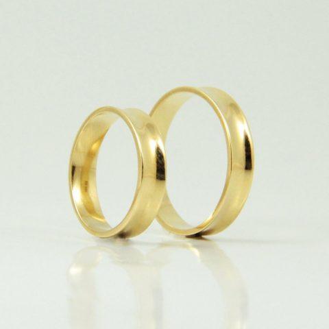 Anillos de matrimonio en oro amarillo