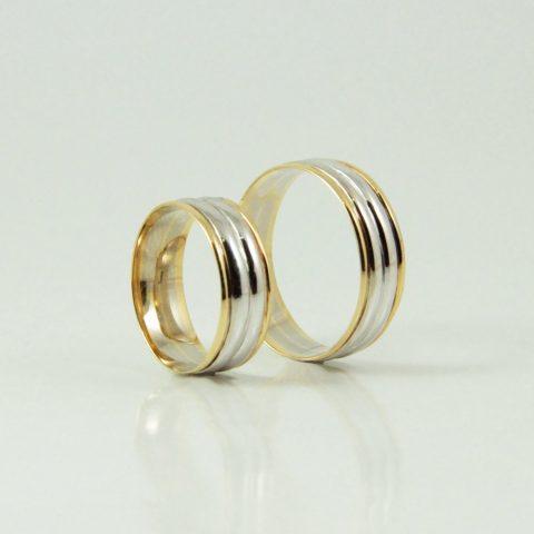 Anillo de matrimonio combinados en oro blanco y amarillo