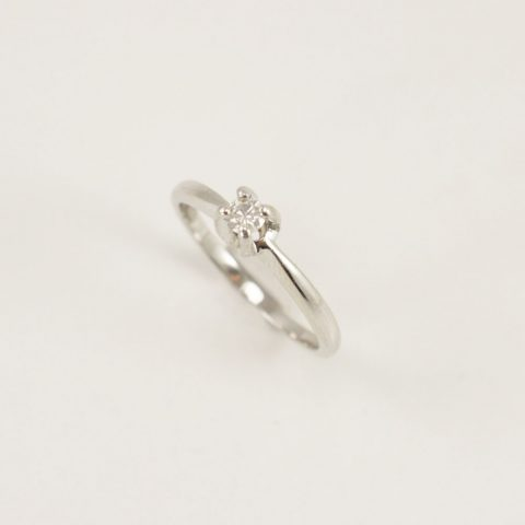 ANILLO SOLITARIO ORO BLANCO BRILLANTES 0.10 CT