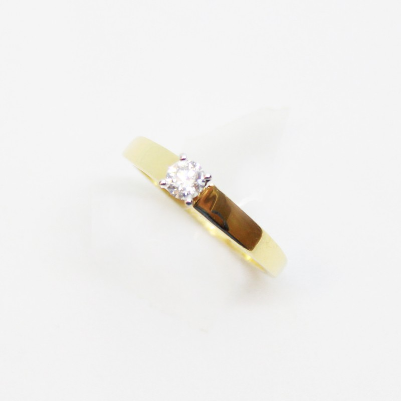 ANILLO SOLITARIO DE ORO AMARILLO CON BRILLANTE CENTRAL 0.25 CT